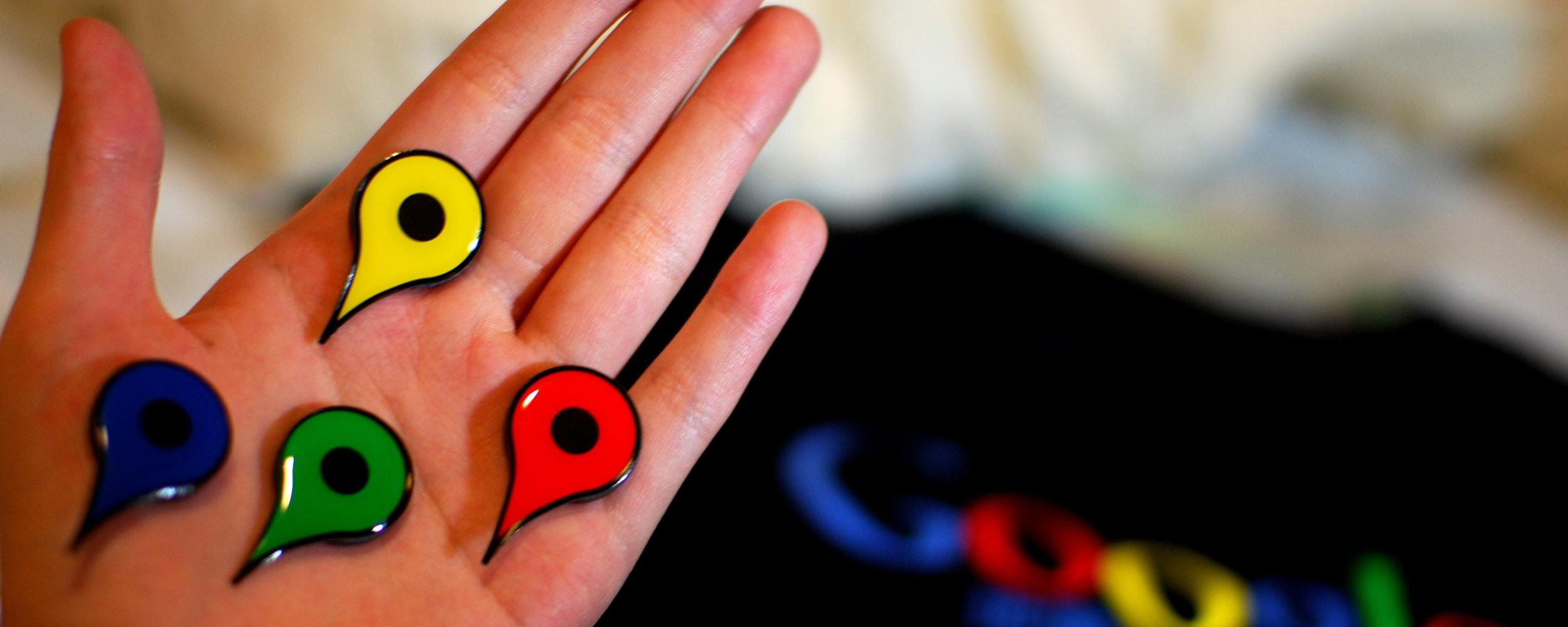 google-hand-2500x1000